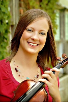 violinist headshot-outdoors