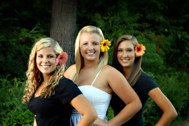 2012 senior bff with flowers