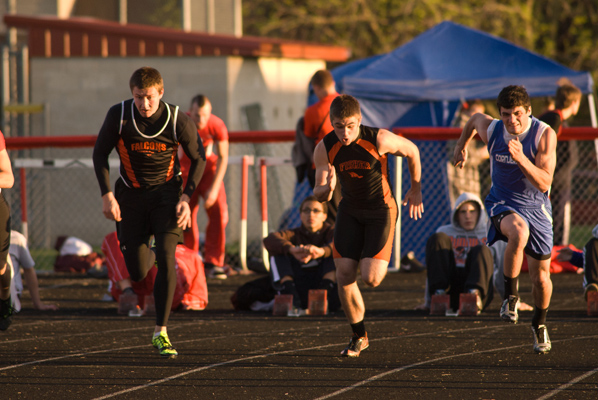 sports action photos - boys track