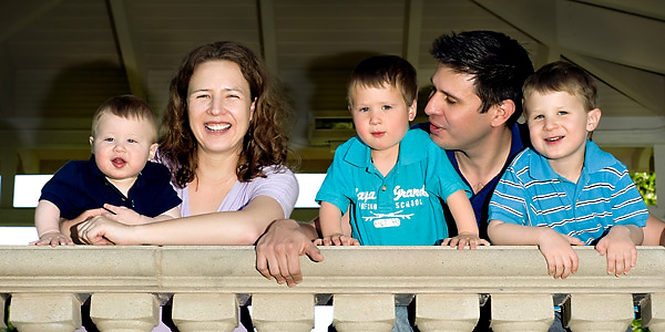 family pictures by Laura Trovillion Photography