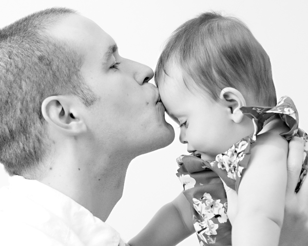 BW father/daughter portrait