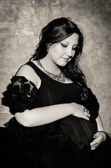 bw glam maternity portraits