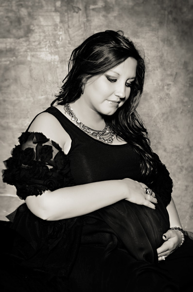 bw glam maternity portraits