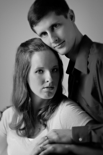 Contemporary BW maternity portrait