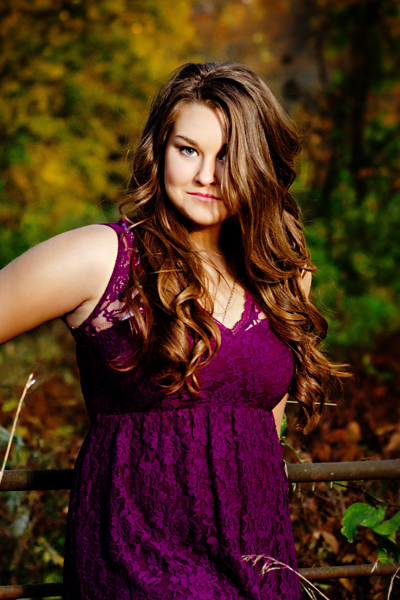 2016 senior girl with fall color