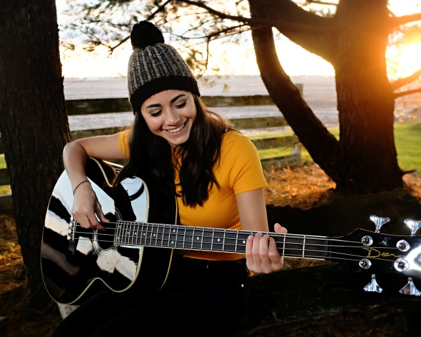 2019 senior gal with guitar